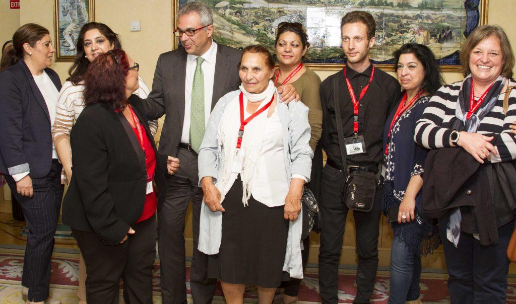 La Asamblea reconoce la historia e integración del pueblo gitano en la Comunidad