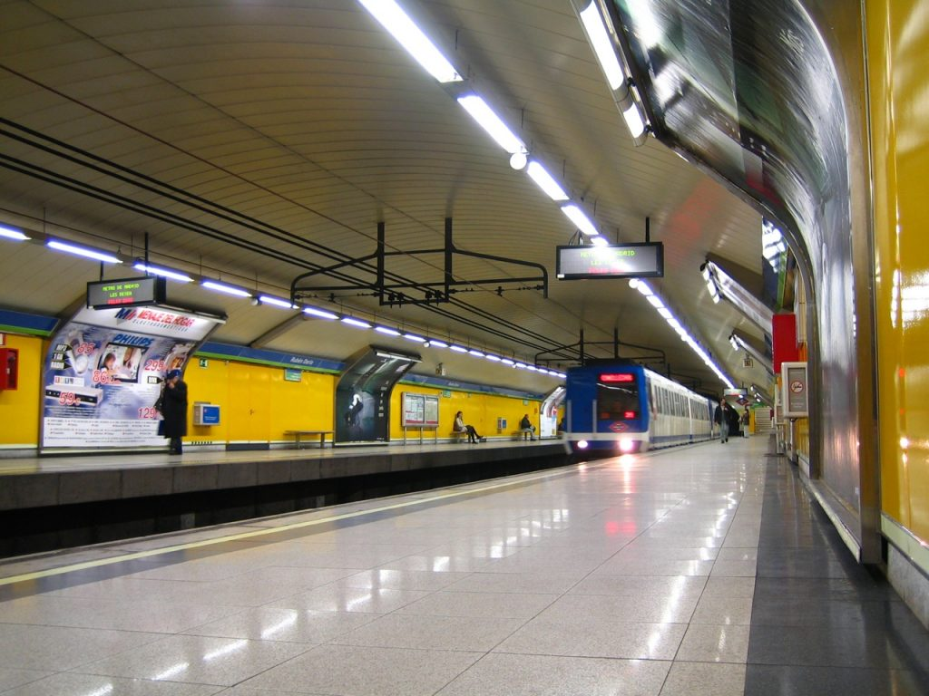 ¿Es necesario que el Metro de Madrid funcione las 24 horas del día?
