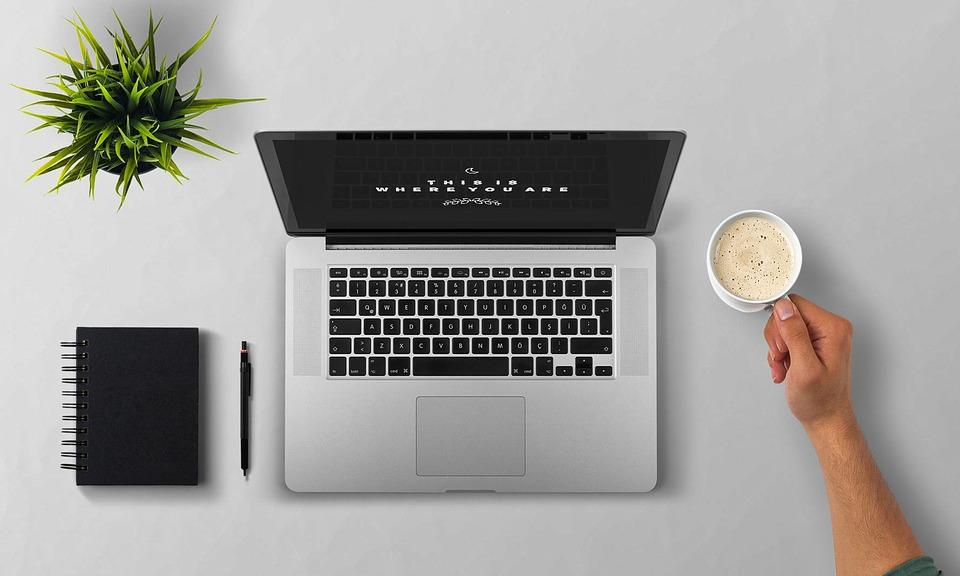 """Estar """"en el trabajo"""" ya no se relaciona con el lugar, sino con la conectividad"""
