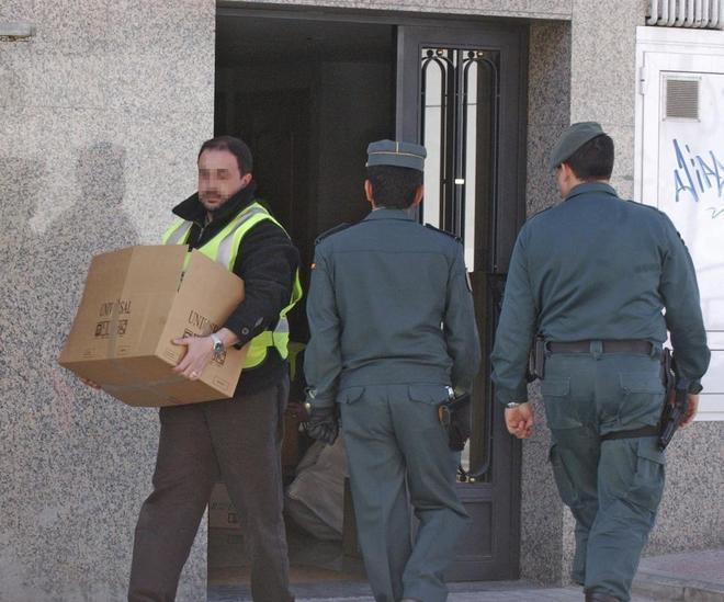 La Guardia Civil detiene a una banda que robaba en casas con sus propietarios dentro