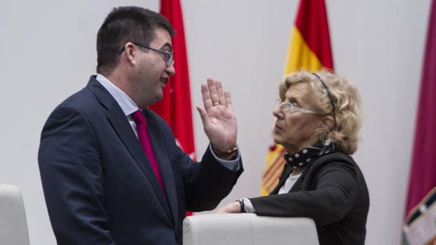 Carmena cesa ahora a Sánchez Mato al frente de Madrid Destino