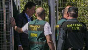 Las primeras horas en prisión de González