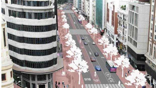 Carmena asegura que la Gran Vía funcionará con dos únicos carriles