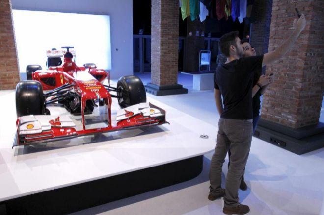 Carmena prohíbe que se exponga un Ferrari en Madrid