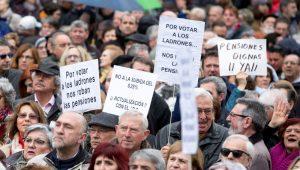 España: baratillo de viejos y saqueo de votos