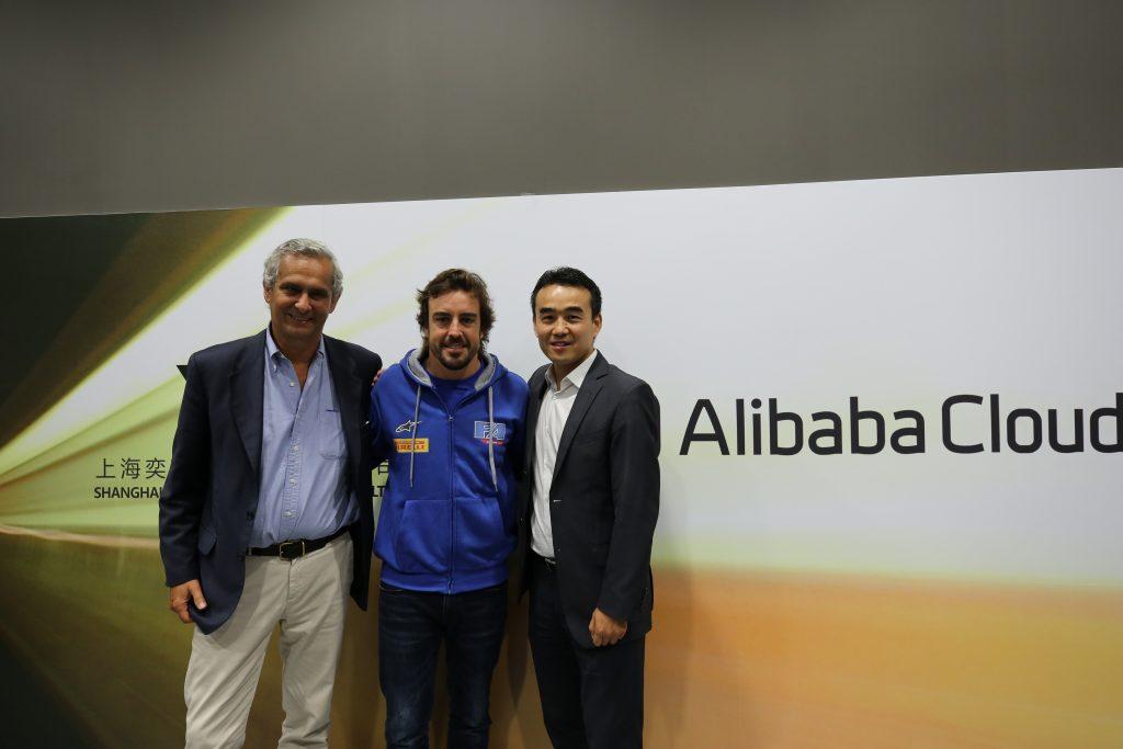 El piloto Fernando Alonso desea promover el Karting con apoyo de tecnología Cloud e Inteligencia Artificial