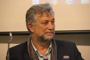 El novelista Juan Llopis se suma al movimiento independiente Euro Latino