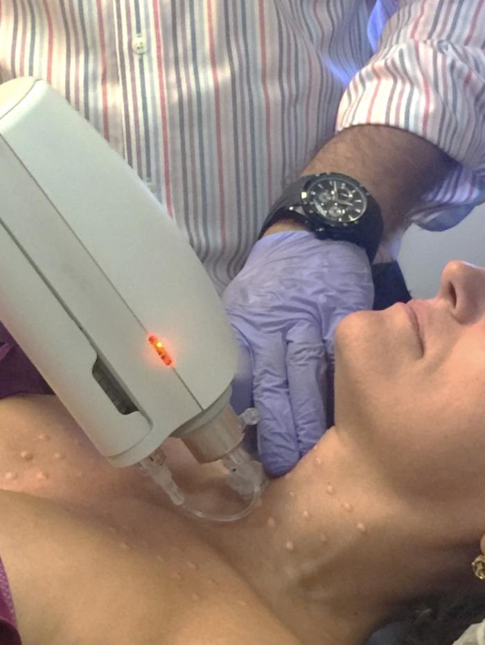 La tecnología Enerjet revitaliza la piel inyectando principios activos sin aguja